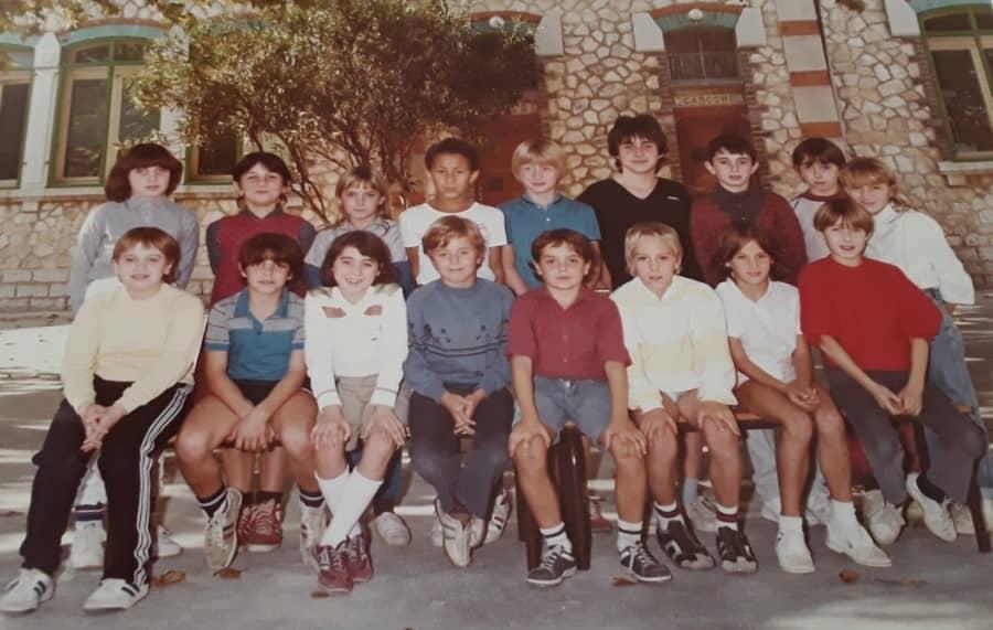 Photo d'une classe de CM en 84