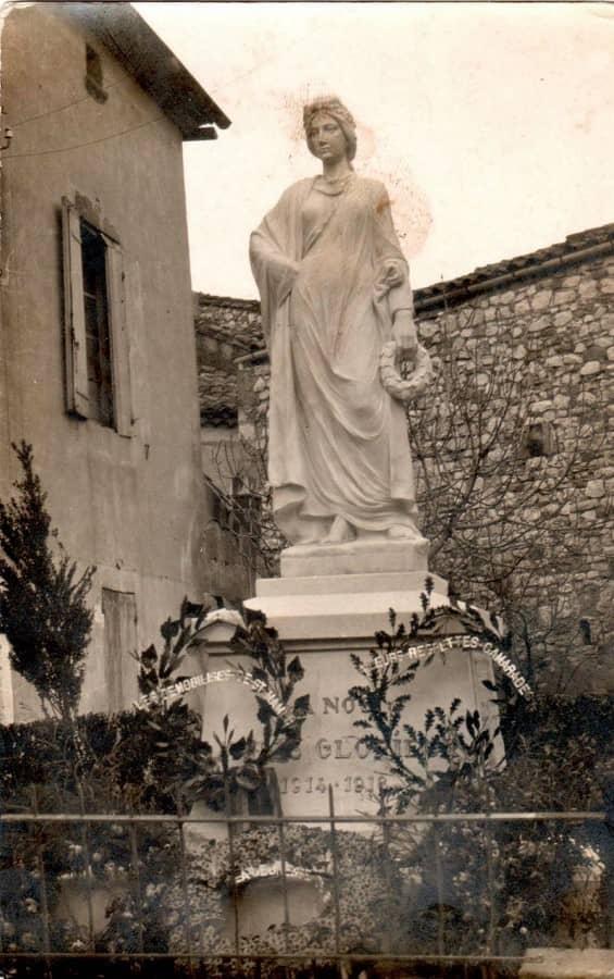 Statue monument aux morts