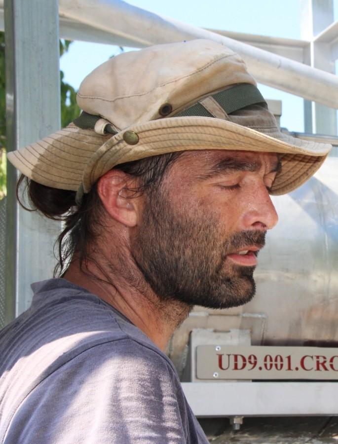 Homme avec un chapeau