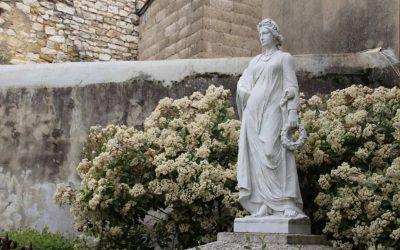 SAINT-MAMERT DU GARD | Une dame blanche centenaire