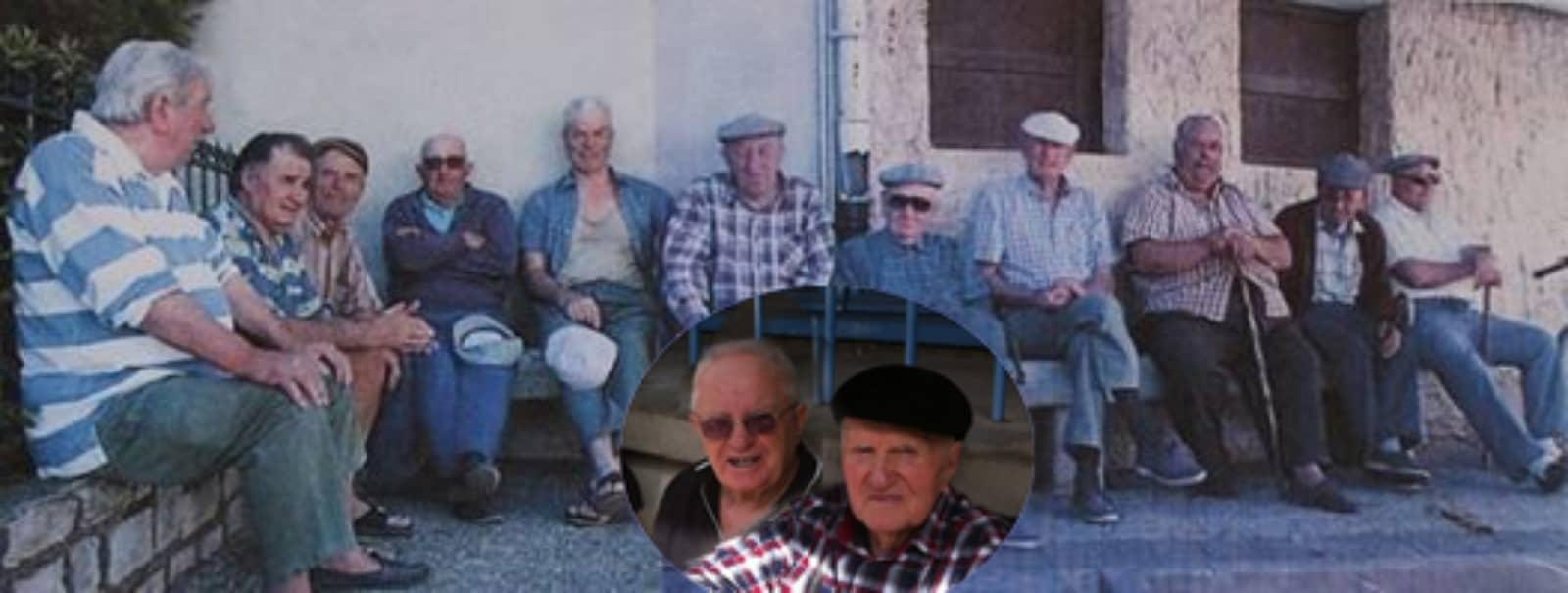 Rassemblement de personnes âgées